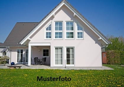 Häuser in 3782 Lauenen bei Gstaad