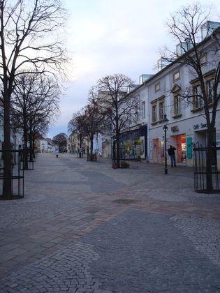 Vermiete modernes Geschäftslokal im Zentrum von Eisenstadt - Toplage in der Fußgängerzone