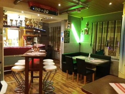 11815 Darts Cafe in Toplage!