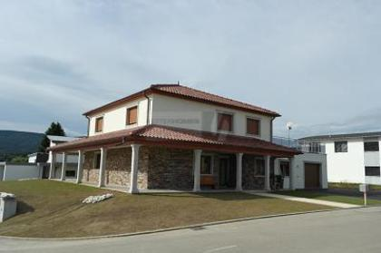 Häuser in 2905 Courtedoux