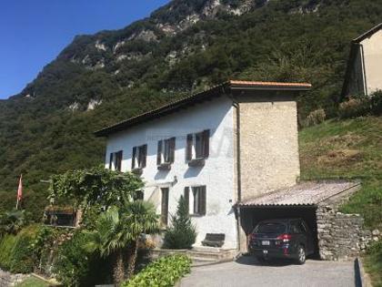 Häuser in 6822 Arogno