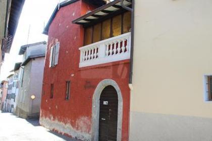 Häuser in 6984 Pura