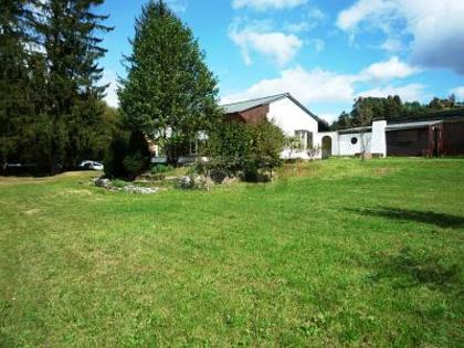 SONNIGER BUNGALOW MIT POTENTIAL IN KUMBERG