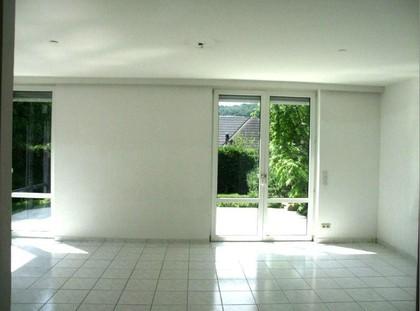Sehr elegante, sanierte, helle, sonnige  absolut ruhige Doppelhaushälfte mit 5 Zimmern, Balkon, Terrasse, Eigengarten, 2 Autoabstellplätze,