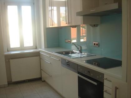 ERSTBEZUG, sehr elegante, helle, sonnige 3 Zimmer Altbauwohnung mit Balkon in absolut grün Ruhelage