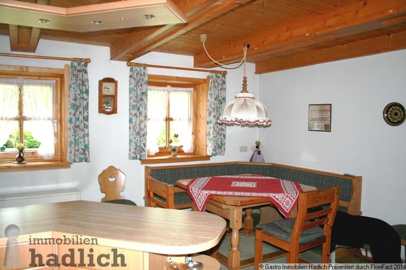 historisches bauernhaus auf traumhaftem grundst ck im pinzgau zu verkaufen cbofc www. Black Bedroom Furniture Sets. Home Design Ideas