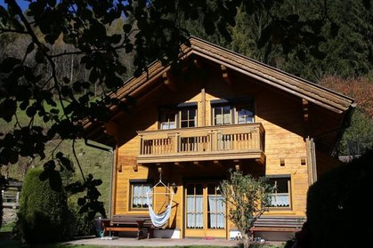 Nettes Holzchalet in sonniger Lage