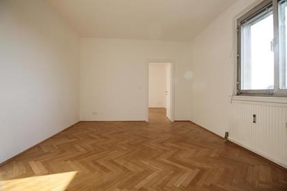 Sanierte Single- oder Pärchenwohnung in St. Leonhard mit herrlichem Ausblick über die Stadt!