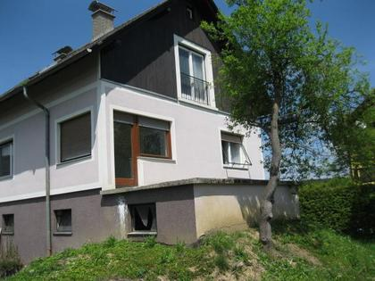 Sanierungsbedürftiges Ein-/Zweifamilienhaus sowie ein kleines Haus mit schönem großen Grundstück – Gemeinde Lieboch