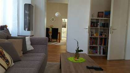 Schön sanierte 2,5 Zimmerwohnung in Altbauvilla