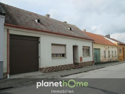 Häuser in 2143 Großkrut