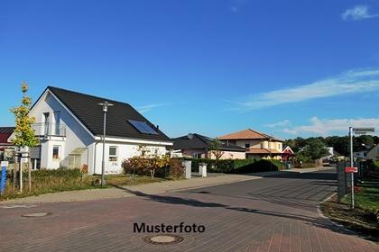 Häuser in 4702 Wallern an der Trattnach