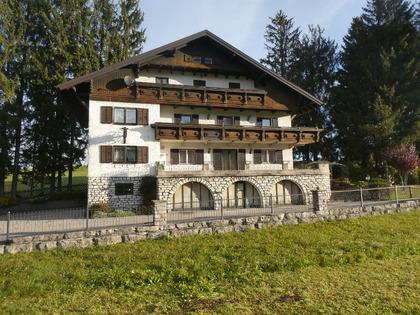 Häuser in 5322 Hof bei Salzburg