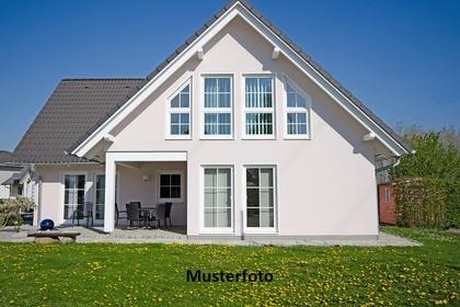 Häuser in 2552 Hirtenberg